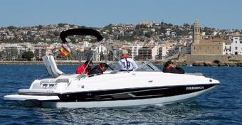 Łodzie motorowe: Bayliner 215: Deck Boat Baylinera